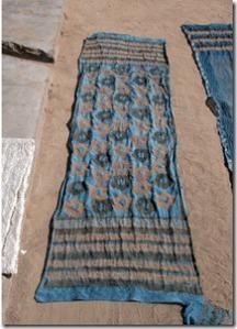 drying-shawls_thumb.jpg